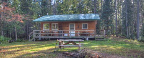 Dimple Lake Cabin exterior